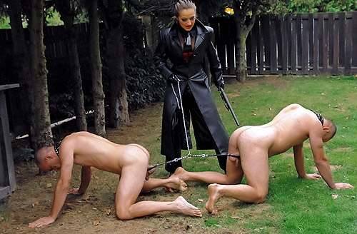 ac girls de outdoor bondage